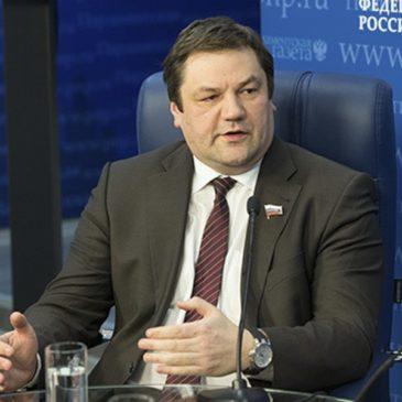 В России предлагают снять запрет на перевозку детей в старых автобусах