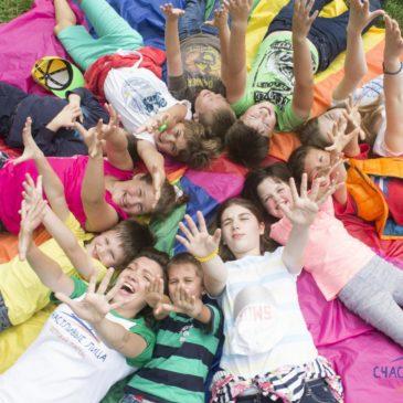 Треть российских детей провели летние каникулы на даче или в деревне