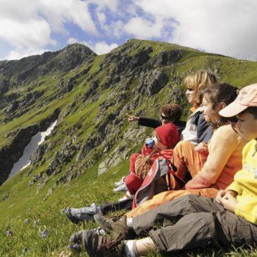 РСТ готовит добровольную сертификацию туроператоров по детскому туризму